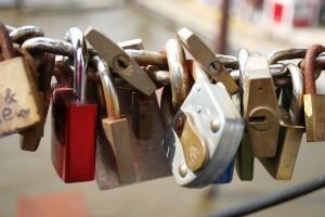 locks-332093_1280